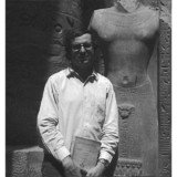 Jean-Claude Golvin on the Karnak site while he was director of the Permanent Mission of CNRS