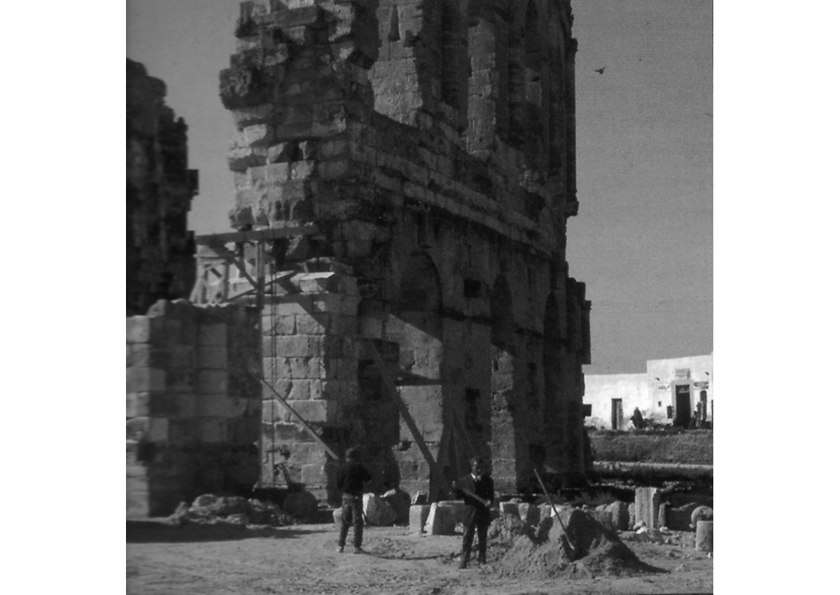 Works on the development of the amphitheater of El-Jem in 1976.