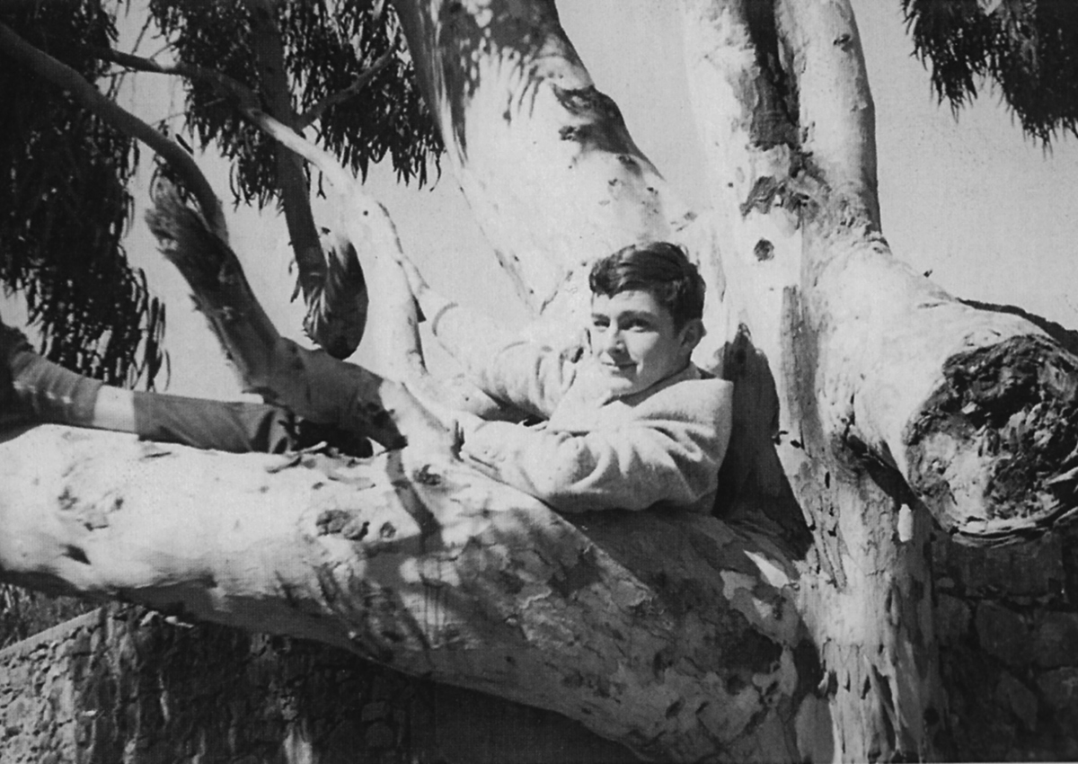 Jean-Claude Golvin in Algeria around 1961